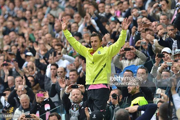 Juventus' forward Alessandro Del Piero waves after leaving the pitch during the Italian Serie A football match Juventus against Atalanta on May 13...