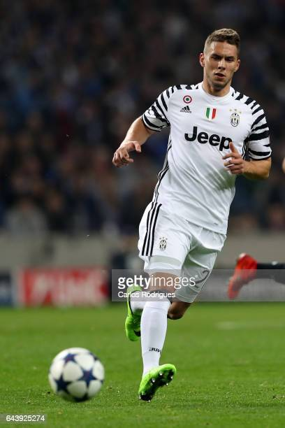 Juventus' forward Marko Pjaca from Croacia during the match between FC Porto v Juventus UEFA Champions League Round of 16 First Leg match at Estadio...