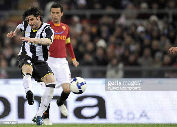 Juventus forward Vincenzo Iaquinta shoots to score against AS Roma during their Italian Serie A football match on March 21 2009 at Olympic stadium in...