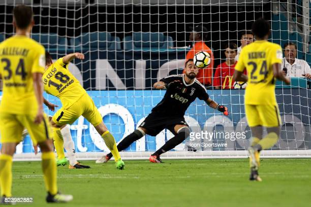 Juventus goalkeeper Carlo Pinsoglio dives for a shot by Paris SaintGermain midfielder Giovani Lo Celso during the second half of the International...
