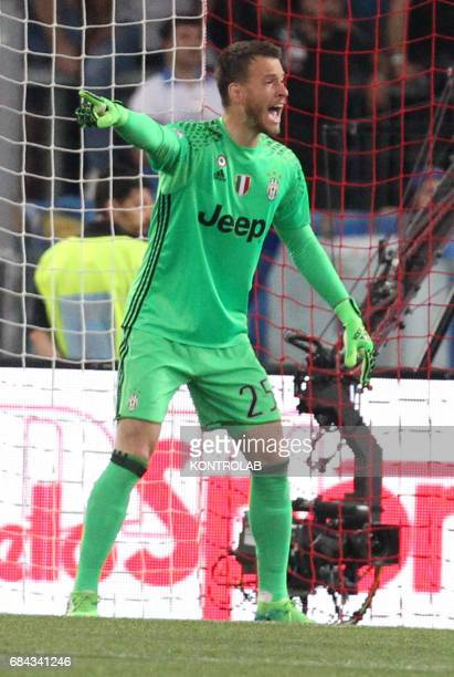 Juventus' goalkeeper from Brazil Norberto Neto gestures during the TIM Italy Cup Final football match SS Lazio vs Juventus FC at the Olimpico Stadium...