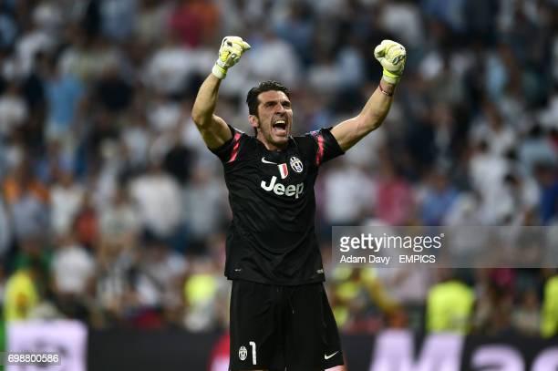 Juventus goalkeeper Gianluigi Buffon celebrates their aggregate victory after the final whistle