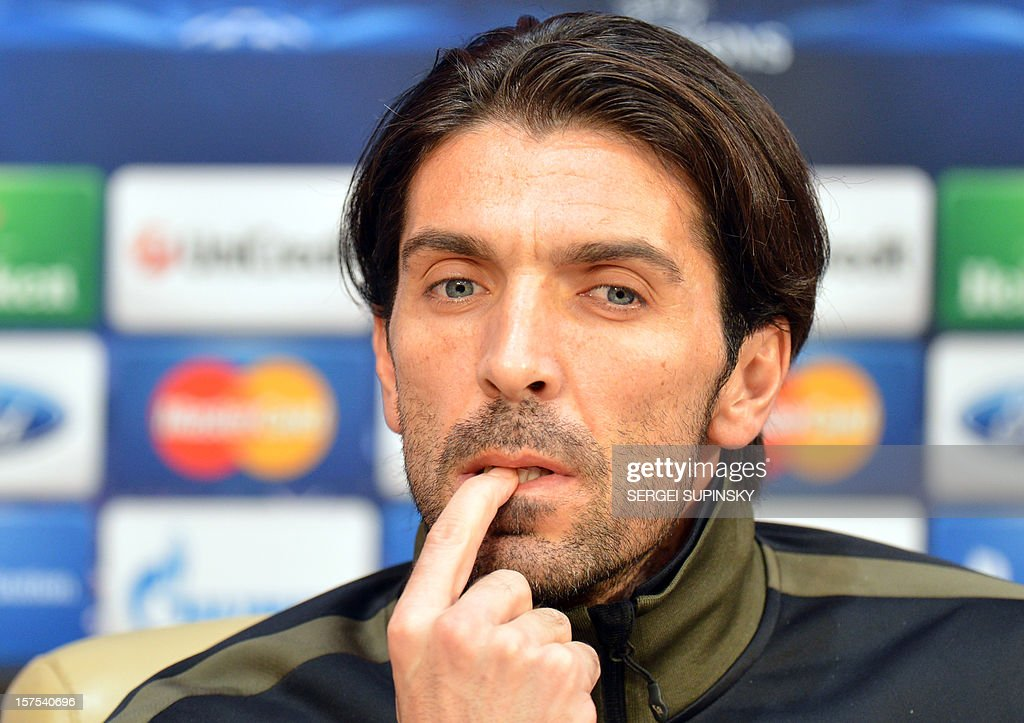 Juventus' goalkeeper Gianluigi Buffon gives a press-conference in Donetsk on December 4, 2012, on the eve of the UEFA Champions League football match Juventus Turin vs FC Shakhtar Donetsk. AFP PHOTO/ SERGEI SUPINSKY
