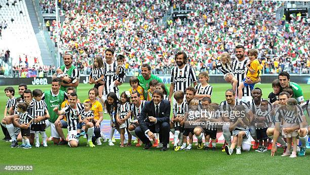 Juventus head coach Antonio Conte and players during the Serie A match between Juventus and Cagliari Calcio at Juventus Arena on May 18 2014 in Turin...