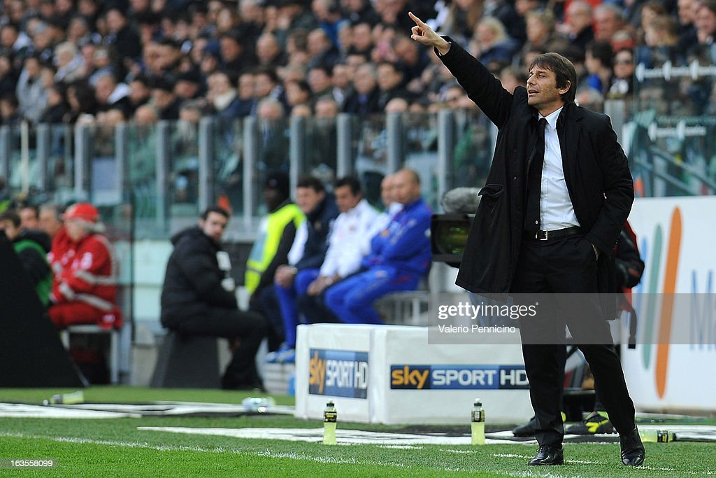 FC Juventus head coach Antonio Conte issues instructions during the Serie A match between FC Juventus and Calcio Catania at Juventus Arena on March 10, 2013 in Turin, Italy.