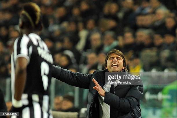 Juventus head coach Antonio Conte issues instructions to Paul Pogba during the Serie A match between Juventus and Torino FC at Juventus Arena on...