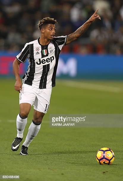 Juventus' Mario Lemina plays during the Italian Super Cup final match between AC Milan and Juventus in Doha on December 23 2016 / AFP / KARIM JAAFAR