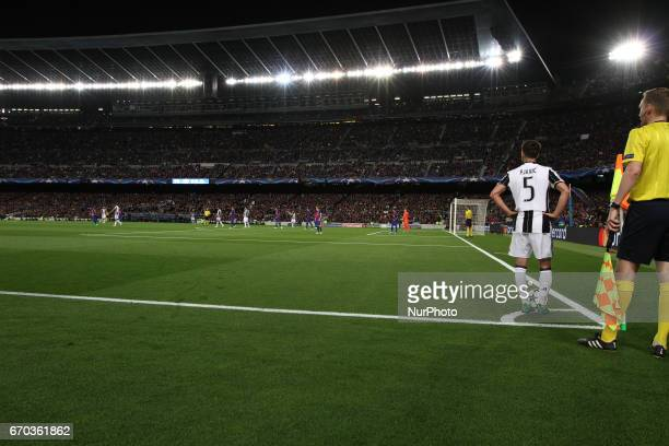 Juventus midfielder Miralem Pjanic prepares to shoot corner kick during the Uefa Champions League quarter finals football match BARCELONA JUVENTUS on...