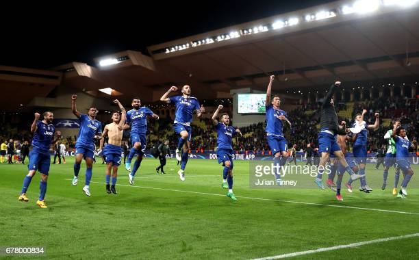 Juventus players celebrate after the full time whistle during the UEFA Champions League Semi Final first leg match between AS Monaco v Juventus at...