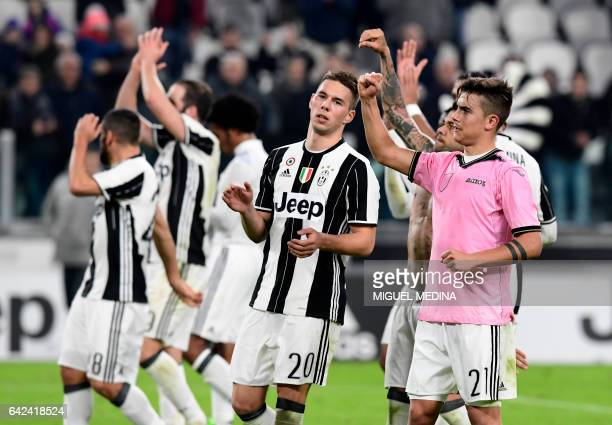Juventus' players celebrate after winning the Italian Serie A football match between Juventus and Palermo at the Juventus Stadium in Turin on...