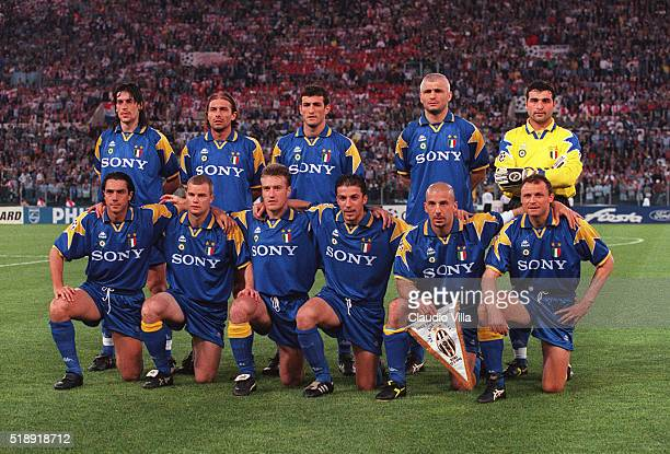 Juventus pose for a photo before the Champions League Final match between Juventus and Ajax at Rome