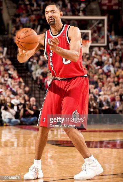 Juwan Howard of the Portland Trail Blazers handles the ball against the New York Knicks during a game on March 31 2010 at the Rose Garden Arena in...
