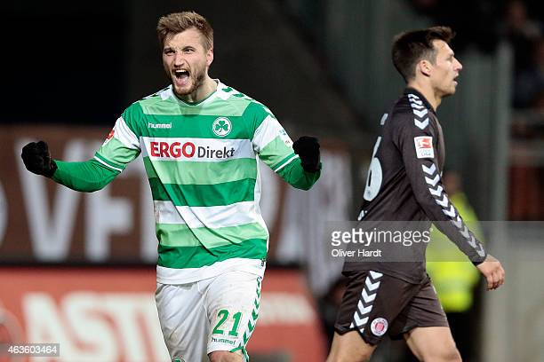 Kacper Przybylko of Fuerth celebrates after the Second Bundesliga match between FC St Pauli and Greuther Fuerth at Millerntor Stadium on February 16...