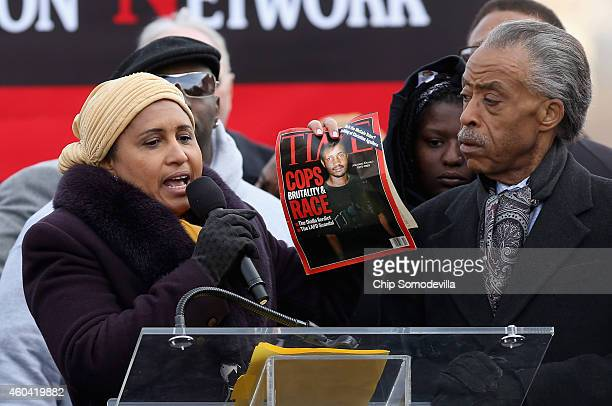 Kadiatou Diallo mother of Amadou Diallo holds a 14yearold copy of Time magazine with an image of her son on the cover while addressing the 'Justice...
