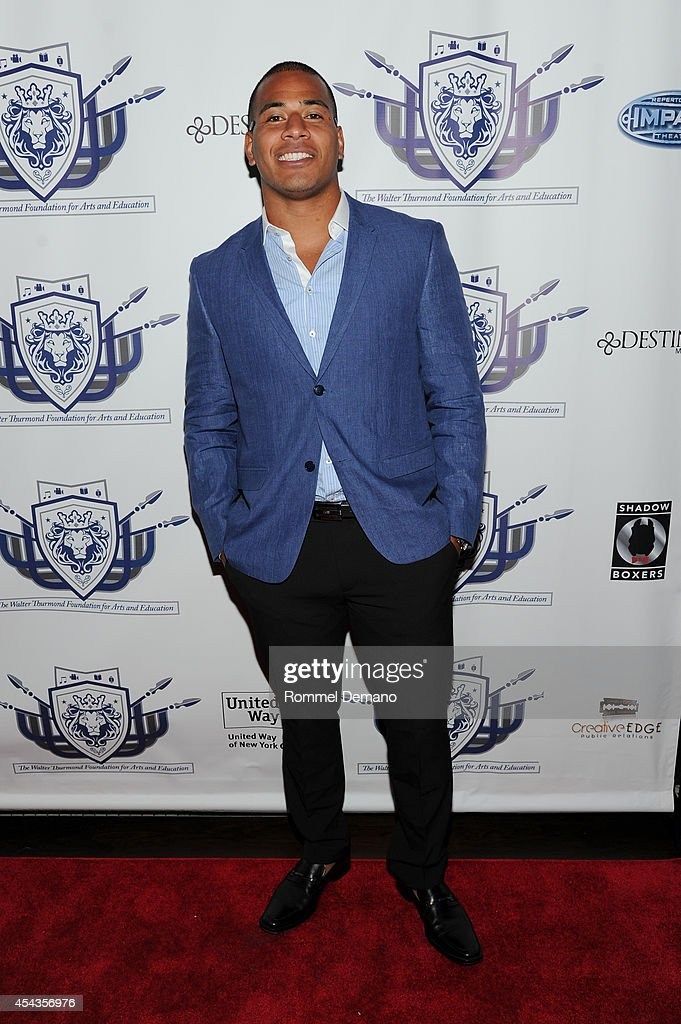 Kahlil Bell of The Chicago Bears attends the Walter Thurmond Foundation for Arts & Education Launch at Shadow Boxers on August 29, 2014 in New York City.