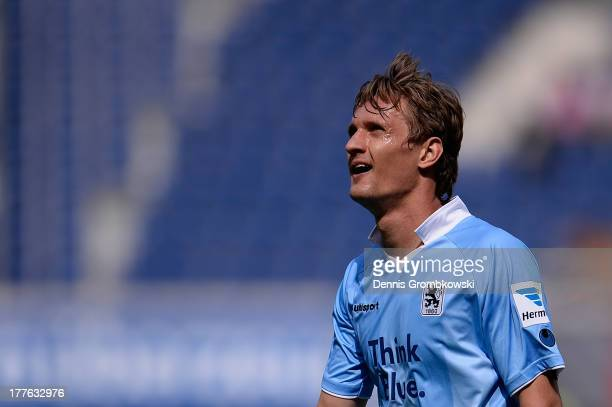 Kai Buelow of 1860 Muenchen shows his frustration during the Second Bundesliga match between SC Paderborn and TSV 1860 Muenchen at Benteler Arena on...