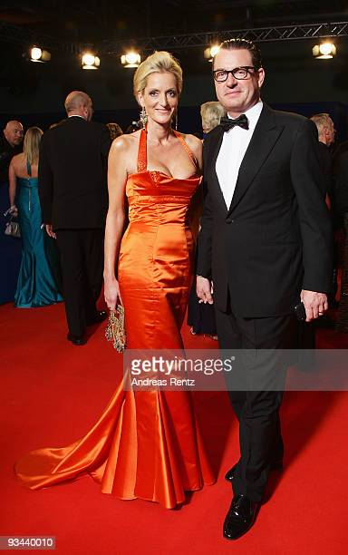 Kai Diekmann editorinchief of Bild and wife Katja Kessler arrive to the Bambi Awards 2009 at the Metropolis Hall at the Filmpark Babelsberg on...