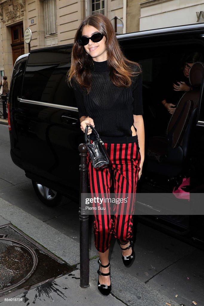 Kaia Gerber arrives at a shop on September 26, 2017 in Paris, France.