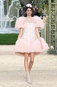 Chanel : Runway - Paris Fashion Week - Haute Couture...