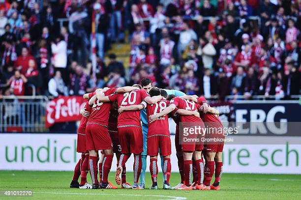 Kaiserslautern players gather prior to kickoff during the Second Bundesliga match between 1 FC Kaiserslautern and Fortuna Duesseldorf at...