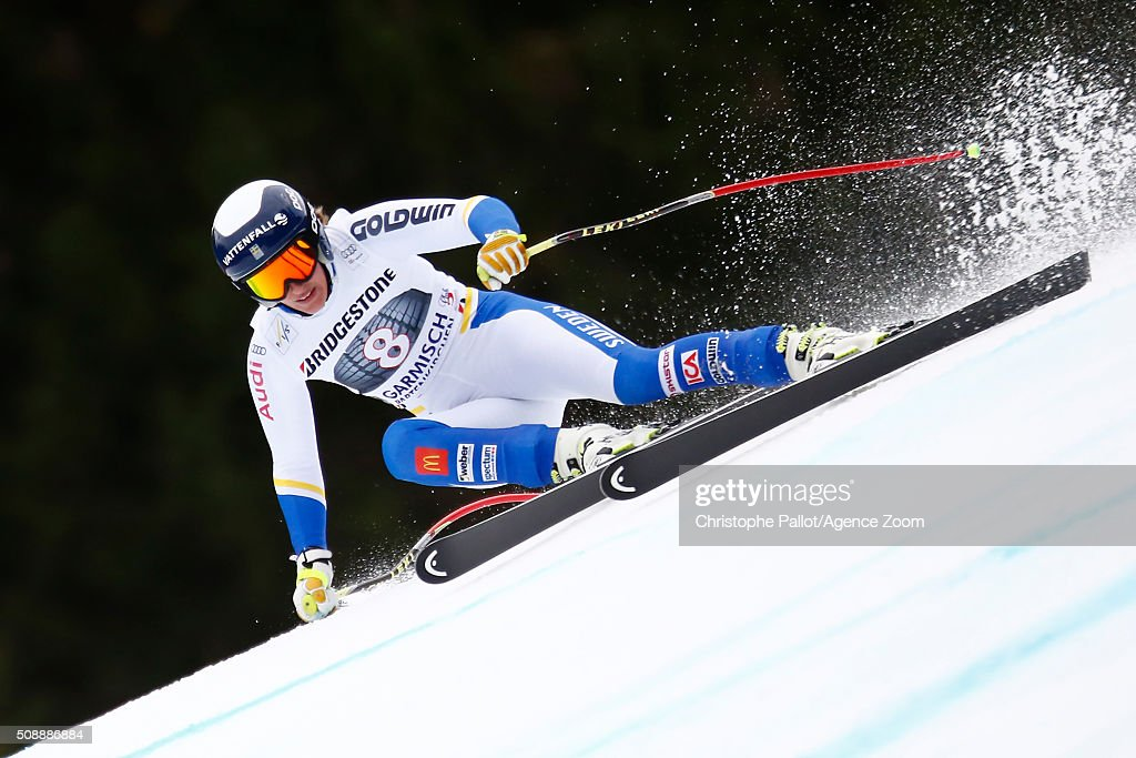 Kajsa Kling of Sweden competes during the Audi FIS Alpine Ski World Cup Women's Super G on January 07, 2016 in Garmisch-Partenkirchen, Germany.