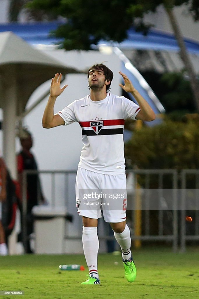 Kaka of Sao Paulo celebrate a scored goal during the match between Vitoria and Sao Paulo as part of Brasileirao Series A 2014 at Estadio Manoel Barradas on November 9, 2014 in Salvador, Bahia, Brazil.