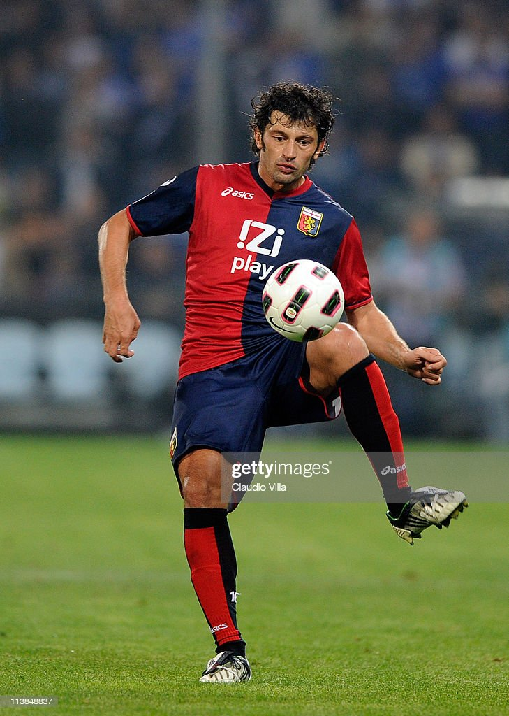 <a gi-track='captionPersonalityLinkClicked' href=/galleries/search?phrase=Kakha+Kaladze&family=editorial&specificpeople=646904 ng-click='$event.stopPropagation()'>Kakha Kaladze</a> of Genoa CFC in action during the Serie A match between Genoa CFC and UC Sampdoria at Stadio Luigi Ferraris on May 8, 2011 in Genoa, Italy.