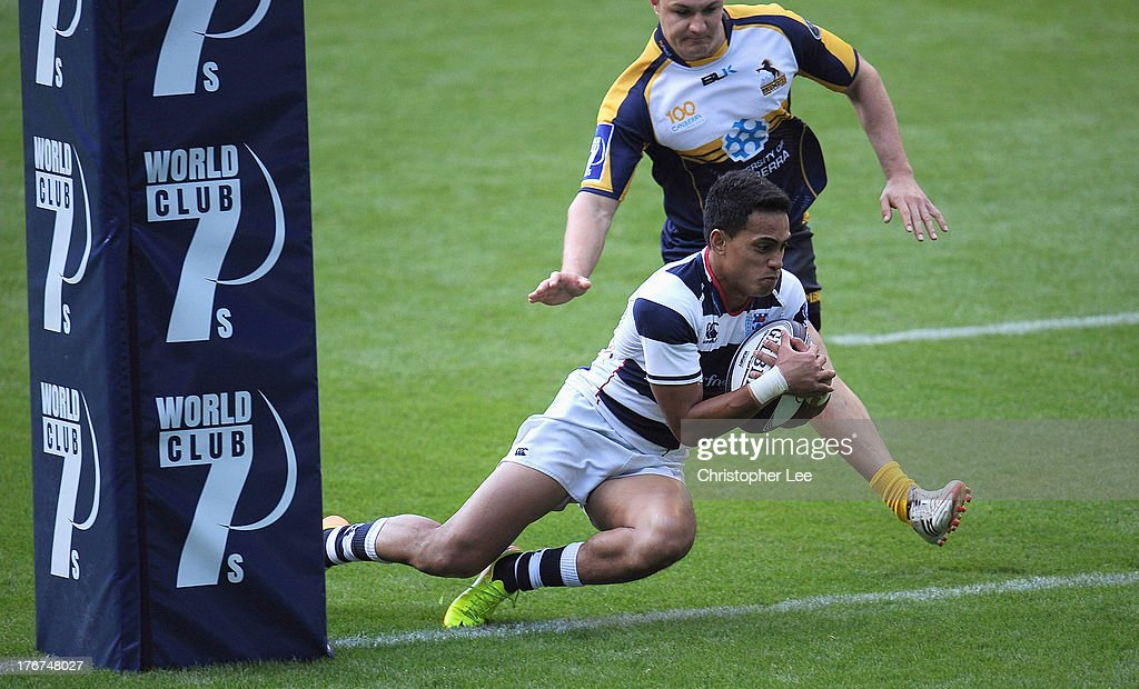 Kali Hala of Auckland scores a try during the Cup Final match between ACT Brumbies and Auckland of the World Club 7's 2013 at Twickenham Stadium on August 18, 2013 in London, England.
