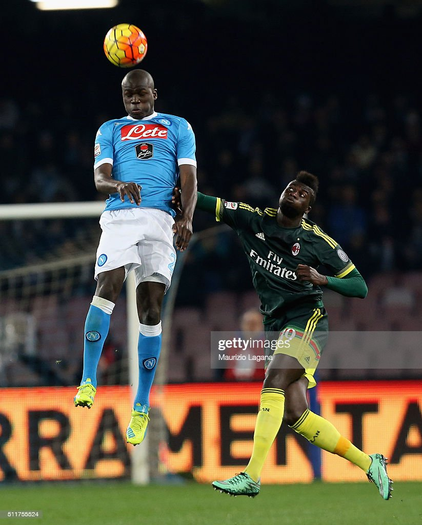 <a gi-track='captionPersonalityLinkClicked' href=/galleries/search?phrase=Kalidou+Koulibaly&family=editorial&specificpeople=7815250 ng-click='$event.stopPropagation()'>Kalidou Koulibaly</a> (L) of Napoli competes for the ball in air with <a gi-track='captionPersonalityLinkClicked' href=/galleries/search?phrase=M%27Baye+Niang&family=editorial&specificpeople=7755200 ng-click='$event.stopPropagation()'>M'Baye Niang</a> of Milan during the Serie A between SSC Napoli and AC Milan at Stadio San Paolo on February 22, 2016 in Naples, Italy.