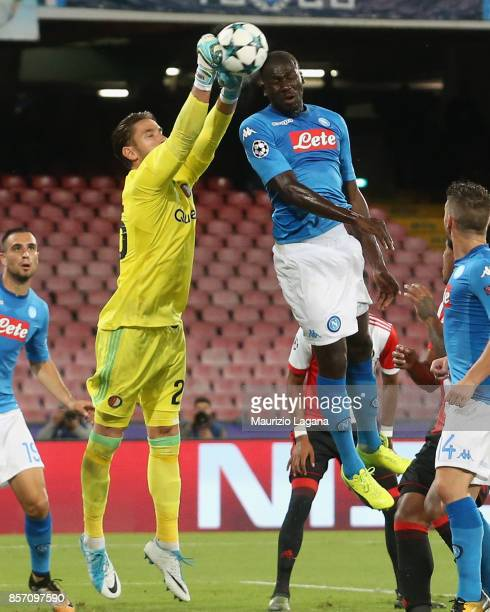 Kalidou Koulibaly of Napoli competes for the ball with Brad Jones of Feyenoord during the UEFA Champions League group F match between SSC Napoli and...