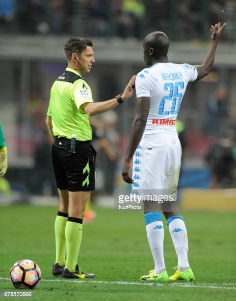 Kalidou Koulibaly of Napoli player and Gianluca Rocchi the referee during the Serie A match between FC Internazionale and SSC Napoli at Stadio...