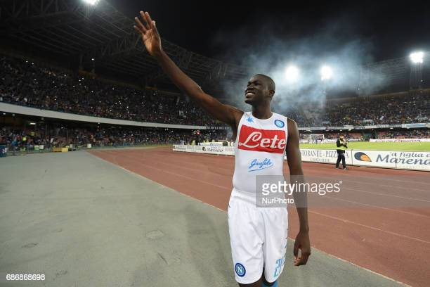 Kalidou Koulibaly of SSC Napoli celebrate the victory with their supporters after the Serie A TIM match between SSC Napoli and ACF Fiorentina at...