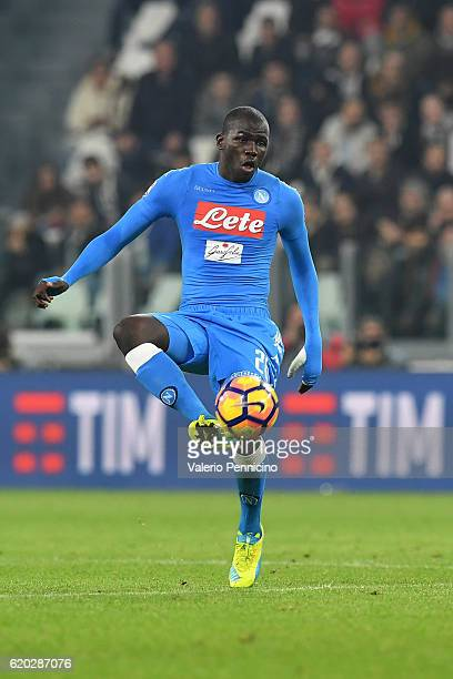 Kalidou Koulibaly of SSC Napoli controls the ball during the Serie A match between Juventus FC and SSC Napoli at Juventus Stadium on October 29 2016...