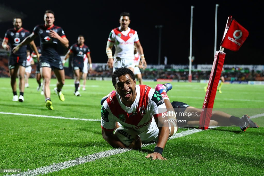 Kalifa Faifai Loa of the Dragons scores a try during the round 11 NRL match between the New Zealand Warriors and the St George Illawarra Dragons at Waikato Stadium on May 19, 2017 in Hamilton, New Zealand.