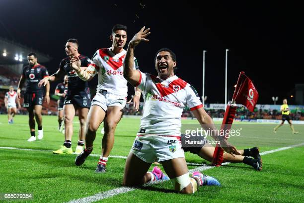 Kalifa Faifai Loa of the Dragons scores a try during the round 11 NRL match between the New Zealand Warriors and the St George Illawarra Dragons at...