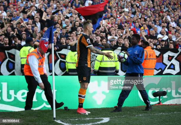 Kamil Grosicki of Hull City asks for the ball from the ball boy during the Premier League match between Crystal Palace and Hull City at Selhurst Park...