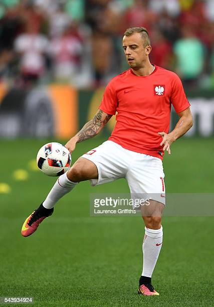 Kamil Grosicki of Poland warms up prior to the UEFA EURO 2016 quarter final match between Poland and Portugal at Stade Velodrome on June 30 2016 in...