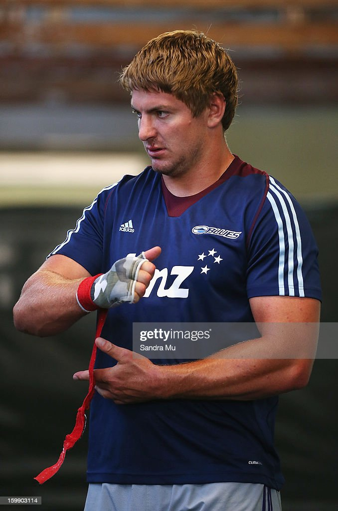 Kane Barrett puts his wraps on during a Blues training session with Shane Cameron at Shane Cameron Fitness on January 23, 2013 in Auckland, New Zealand.