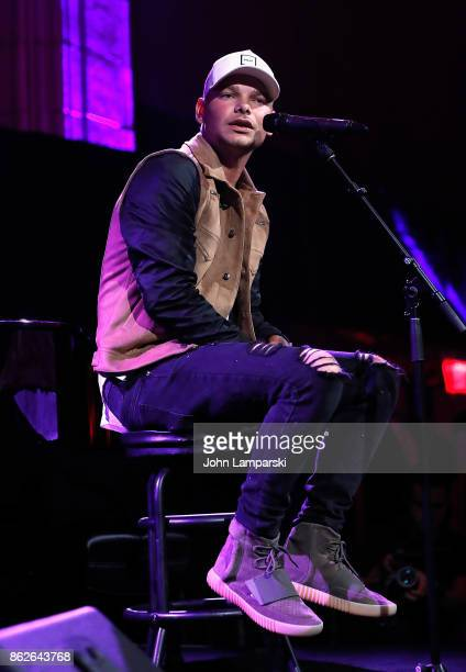 Kane Brown performs during the TJ Martell 42nd Annual New York Honors Gala at Guastavino's on October 17 2017 in New York City