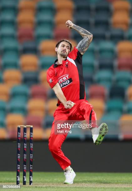 Kane Richardson of the Redbacks bowls during the JLT One Day Cup match between South Australia and Victoria at Blundstone Arena on October 19 2017 in...