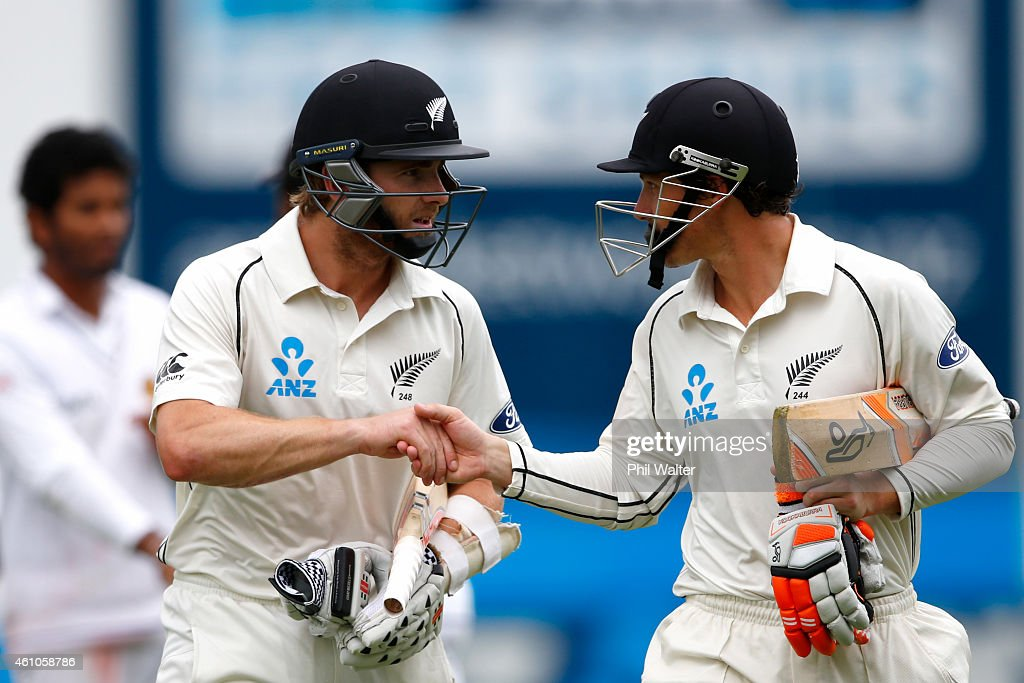 <a gi-track='captionPersonalityLinkClicked' href=/galleries/search?phrase=Kane+Williamson&family=editorial&specificpeople=4738503 ng-click='$event.stopPropagation()'>Kane Williamson</a> (L) and <a gi-track='captionPersonalityLinkClicked' href=/galleries/search?phrase=BJ+Watling&family=editorial&specificpeople=2115739 ng-click='$event.stopPropagation()'>BJ Watling</a> of New Zealand (R) leave the field for lunch during day four of the Second Test match between New Zealand and Sri Lanka at the Basin Reserve on January 6, 2015 in Wellington, New Zealand.