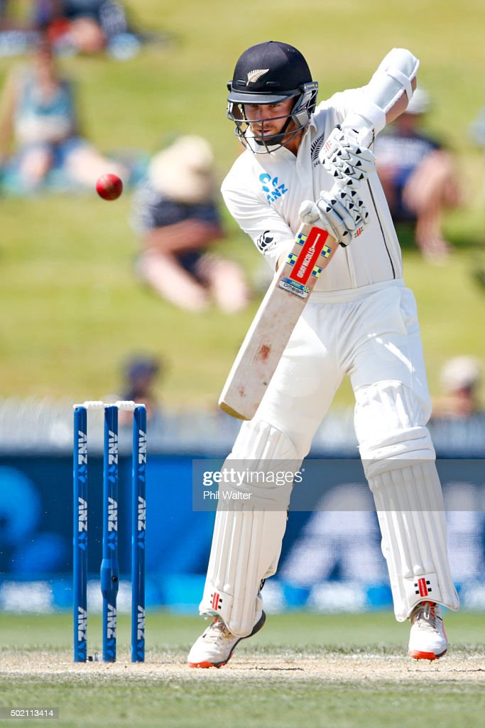 <a gi-track='captionPersonalityLinkClicked' href=/galleries/search?phrase=Kane+Williamson&family=editorial&specificpeople=4738503 ng-click='$event.stopPropagation()'>Kane Williamson</a> of New Zealand bats during day four of the Second Test match between New Zealand and Sri Lanka at Seddon Park on December 21, 2015 in Hamilton, New Zealand.