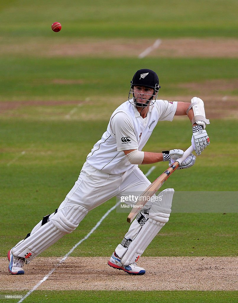 <a gi-track='captionPersonalityLinkClicked' href=/galleries/search?phrase=Kane+Williamson&family=editorial&specificpeople=4738503 ng-click='$event.stopPropagation()'>Kane Williamson</a> of New Zealand keeps his eye on the ball during day two of 1st Investec Test match between England and New Zealand at Lord's Cricket Ground on May 17, 2013 in London, England.