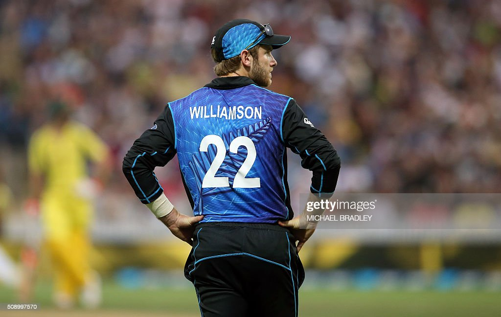 Kane Williamson of New Zealand looks on during the third one-day international cricket match between New Zealand and Australia at Seddon Park in Hamilton on February 8, 2016.   AFP PHOTO / MICHAEL BRADLEY / AFP / MICHAEL BRADLEY