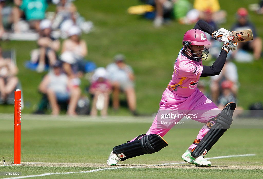 <a gi-track='captionPersonalityLinkClicked' href=/galleries/search?phrase=Kane+Williamson&family=editorial&specificpeople=4738503 ng-click='$event.stopPropagation()'>Kane Williamson</a> of the Knights bats during the HRV Cup Twenty20 Canterbury Wizards and the Northern Knights at AMI Stadium on December 29, 2010 in Christchurch, New Zealand.