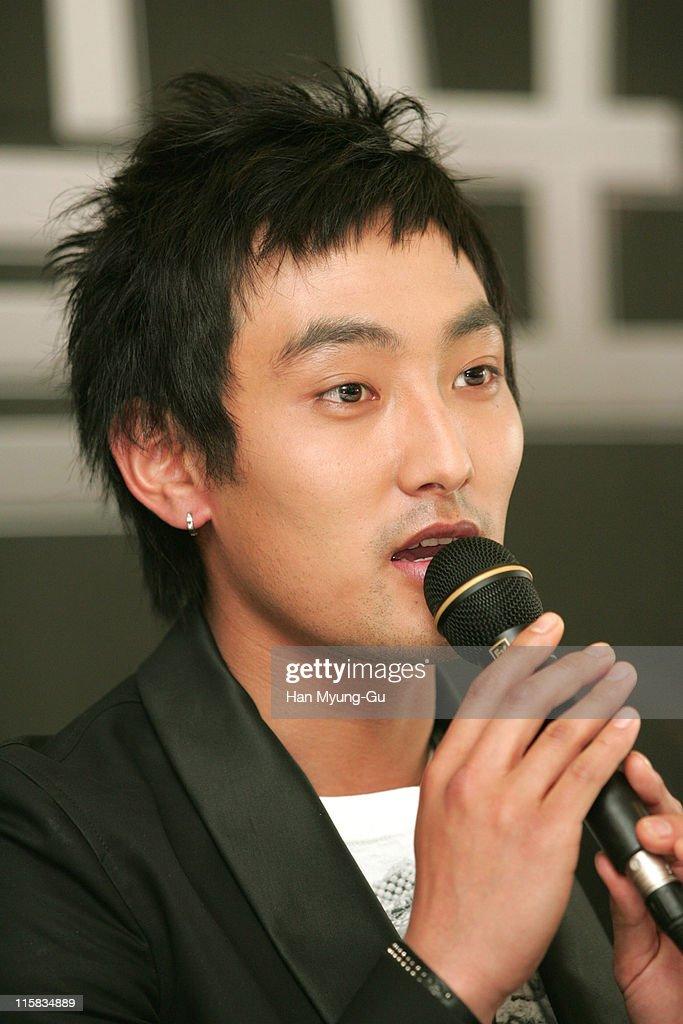 Kangta during KBS Drama 'Love Holic' - Press Conference - April 21, 2005 at Seoul Press Center in Seoul, Seoul, South Korea.