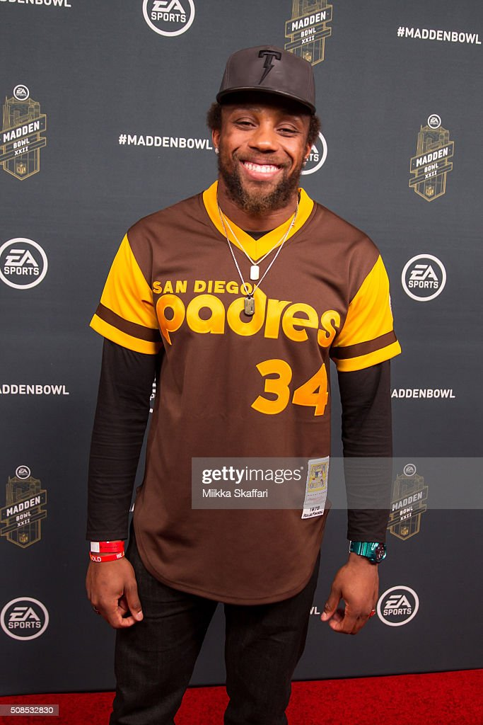 Kansas City Chiefs safety <a gi-track='captionPersonalityLinkClicked' href=/galleries/search?phrase=Eric+Berry+-+American+Football+Player&family=editorial&specificpeople=4501099 ng-click='$event.stopPropagation()'>Eric Berry</a> arrives at Madden Bowl XXII at Nob Hill Masonic Center on February 4, 2016 in San Francisco, California.