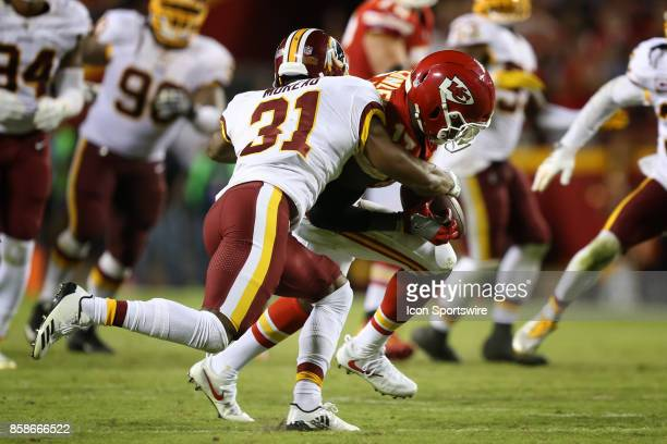Kansas City Chiefs wide receiver Chris Conley catches a 10yard pass in front of Washington Redskins cornerback Fabian Moreau with 27 seconds left in...