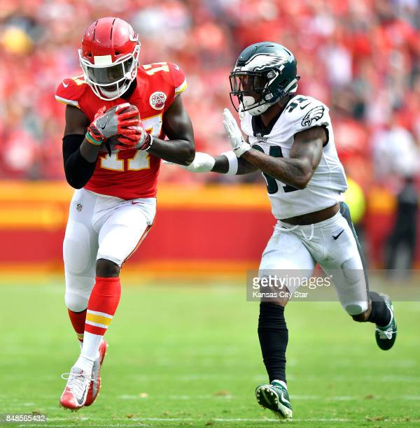 Kansas City Chiefs wide receiver Chris Conley catches a fouryard pass in front of Philadelphia Eagles cornerback Jalen Mills in the fourth quarter on...