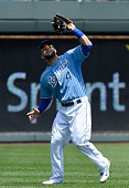 Kansas City Royals left fielder Alex Gordon catches a fly ball for an out on Texas Rangers' Mitch Moreland to end the top of the first inning on...